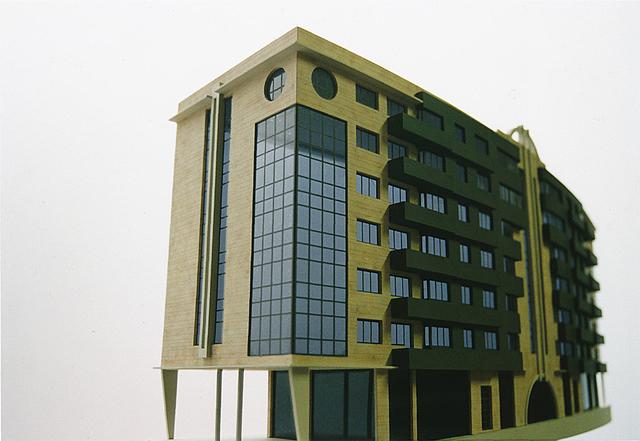 MAQUETAS CLEMENTE · Edificio Arco Escorzo relieve en Montevil 1-100 · Maquetas