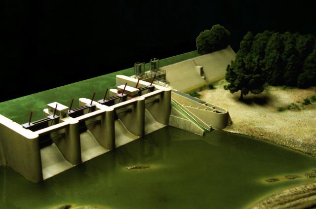 MAQUETAS CLEMENTE · Dispositivo peces migratorios en presa El Furacón 1-200 · Maquetas